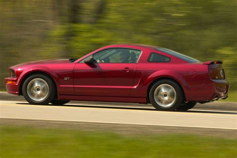 amazing ford mustang 2006 2006 ford mustang overview cars