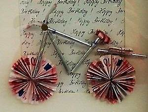 Fahrrad Aus Geldscheinen Falten : diy geld gutschein f r ein neues fahrrad fahrrad basteln ~ Lizthompson.info Haus und Dekorationen