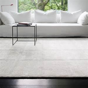 tapis uni blanc casse reflect par ligne pure With tapis blanc cassé