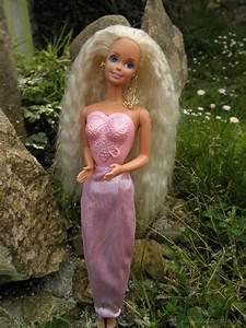 muñeca barbie locket surprise de mattel - Comprar Muñecas ...