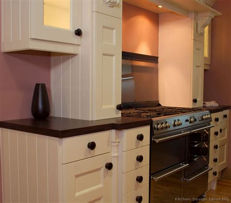 White Cupboard Kitchen by Pictures Of Kitchens Traditional White Kitchen Cabinets