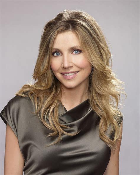 Sarah Chalke Profile And Latest Pictures 2013   Its All