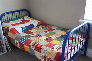 Bed Quilt Clipart - ClipartXtras