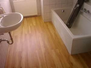Vinylboden Auf Fliesen : luxus vinylboden im bad vinylboden auf fliesen verlegen ~ Watch28wear.com Haus und Dekorationen