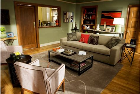 Decorate Your Home In Modern Family Style