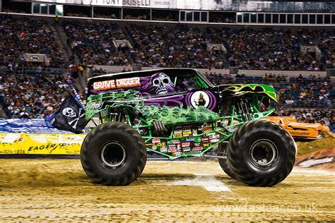 best monster truck videos monster truck videos 2014 bestnewtrucks net