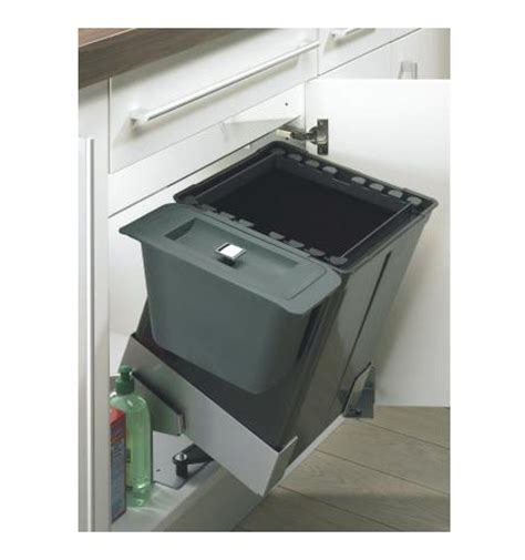 poubelle cuisine coulissante sous evier les poubelles sous évier pour un tri sélectif des déchets