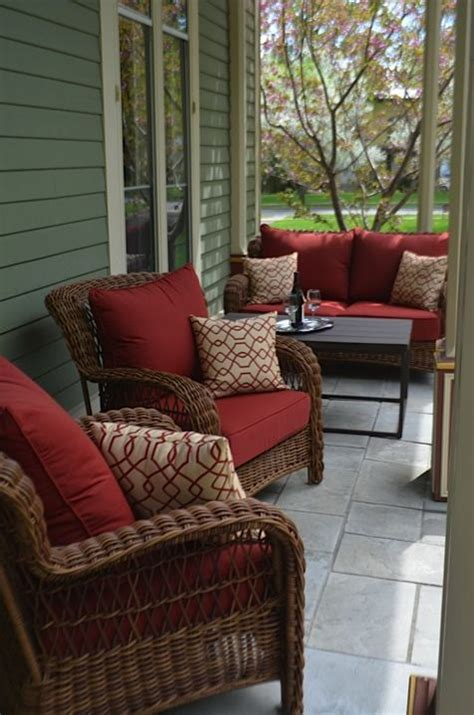 Outdoor Front Porch Furniture by 25 Best Ideas About Patio Furniture Cushions On
