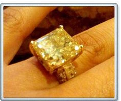191 floyd mayweather gave this ring to fiance shantel