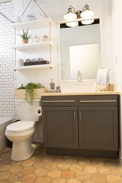 Bathroom Ideas Lowes by A Builder Grade Bathroom Transformation With Lowe S