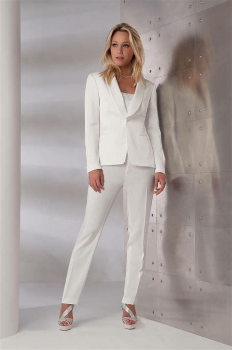 tailleur pantalon femme chic pour mariage blanc tendance chic pour vous le tailleur pantalon femme