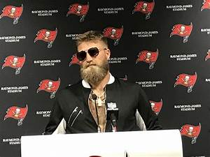 Ryan Fitzpatrick Looks Like An Absolute Boss During ...