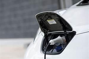 Prise Recharge Voiture Électrique : recharger sa voiture electrique avec panneau solaire ~ Dode.kayakingforconservation.com Idées de Décoration