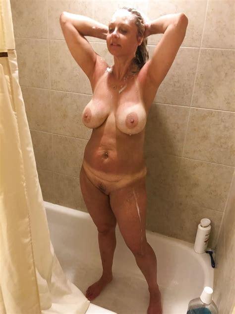 Hottest Moms Naked Pics XHamster