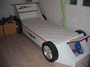 Lit En Forme De Voiture : 2 r alisations lit enfant en forme de voiture bureau ~ Teatrodelosmanantiales.com Idées de Décoration