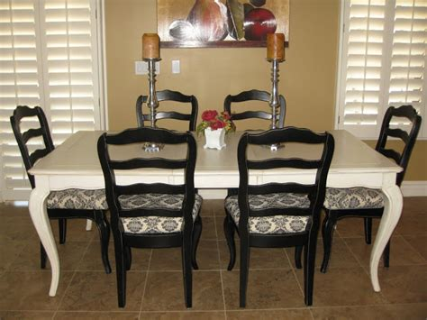 sense  simplicity painting  dining room table