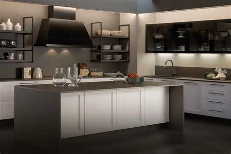 stile cucine cucina classica con anta in legno massello casastore salerno