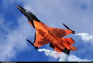 Lockheed Martin F-16 Fighting Falcon / Super Viper ...