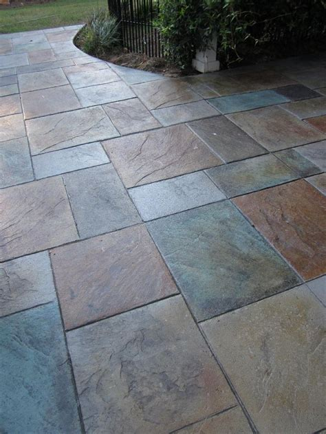 concrete patio driveway contractor in milwaukee