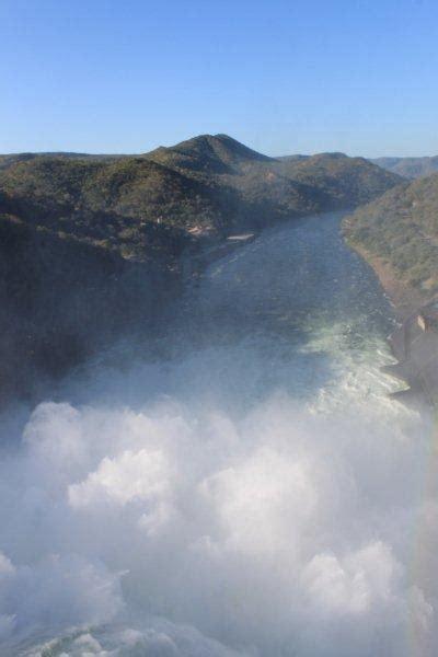 The Mighty Zambezi - Kariba dam thundering downstream ...