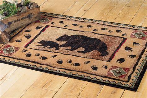 Black Bear Walking Rug   5 x 7