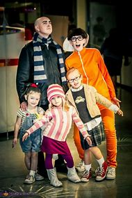 Despicable Me Family Halloween Costume