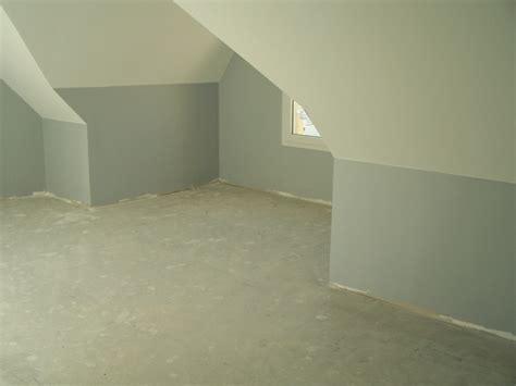 chambre mur gris chambre sous pente
