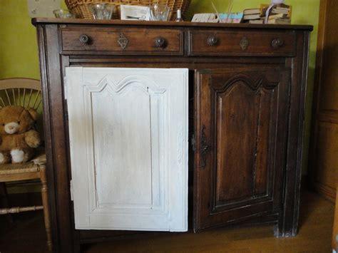 vieux bureau en bois la peinture à la craie charme d 39 antan