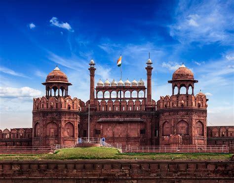 visit  stunning red fort  delhi