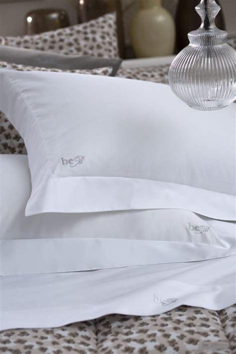 Il completo lenzuola matrimoniali con bordo elastico a tutta lunghezza protegge bene i materassi. Set Lenzuola Matrimoniali Per Materasso 160X200 : Set di Lenzuola piazza e mezza Cotone LOURES ...