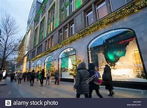 Berlin Shopping Kadewe : kadewe christmas stock photos kadewe christmas stock images alamy ~ Markanthonyermac.com Haus und Dekorationen