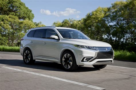 Mitsubishi G by Mitsubishi Outlander Phev Concept S Unveiled Ahead Of