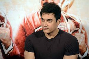 Aamir Khan and Rajkumar Hirani launch Tharki Chokro song ...