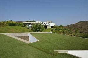 Maison Semi Enterrée : incroyable maison semi enterr e avec toiture v g talis e ~ Voncanada.com Idées de Décoration