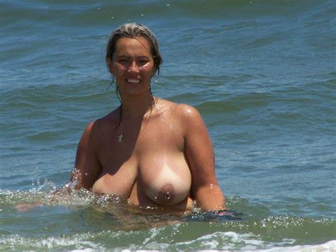 Fat nude mature ladies having fun in a water - Chubby Naturists - Granny Swinger