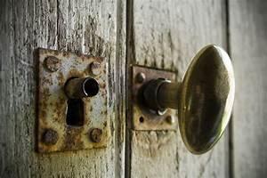eclairage zt introduction a la serrurerie With porte de garage enroulable jumelé avec serrure ancienne