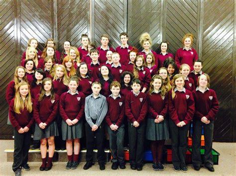 presentation de la salle college gallery 171 choirs and carols