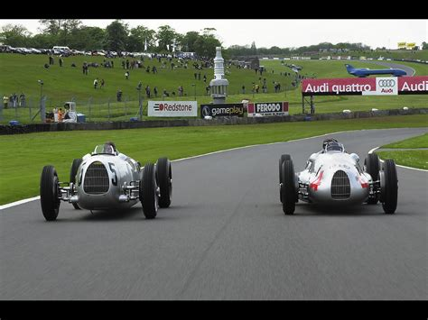 Auto Union Type D At Goodwood Revival 2012.jpg