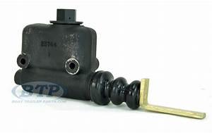 Titan Model 10  20 Disc Brake Surge Coupler Master Cylinder