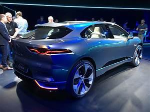 Jaguar I Pace : inside the jaguar i pace electric crossover vr press event ~ Medecine-chirurgie-esthetiques.com Avis de Voitures