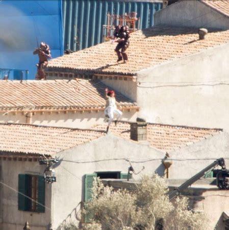 aquaman  filming photo leak  teases  plot