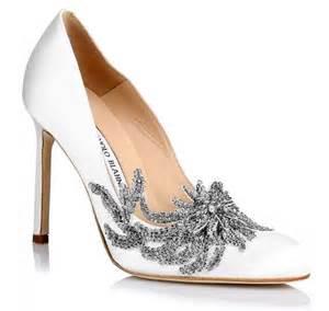 manolo blahnik wedding shoes manolo blahnik fw15 collection includes swan 39 s wedding shoes