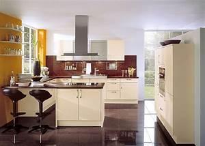 Küche U Form Mit Theke : u form k che mit esstheke und ger tehochschr nken in vanille ~ Michelbontemps.com Haus und Dekorationen