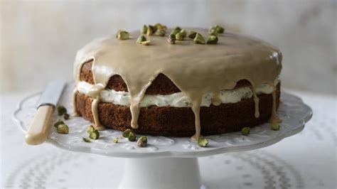 This traditional sponge cake uses an all in one method making it a super quick and easy family cake, perfect for parties. Coffee and cardamom cake with pistachio cream | Recipe | Pistachio recipes, Cardamom cake ...