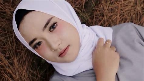 Lirik Lagu Ya Maulana Nissa Sabyan Full Lengkap Artinya