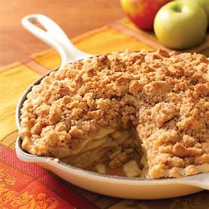 Skillet Apple and Walnut Crumble Pie - Southern Lady Magazine