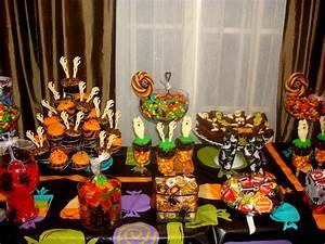 Buffet Halloween : halloween candy table halloween candy buffet pinterest ~ Dode.kayakingforconservation.com Idées de Décoration