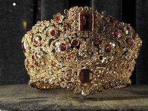 royal crown - Picture of Munich Residence (Residenz ...