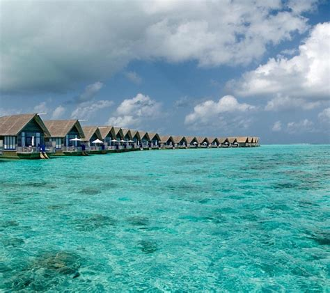 luxury boat hotel  cocoa island resort  maldives