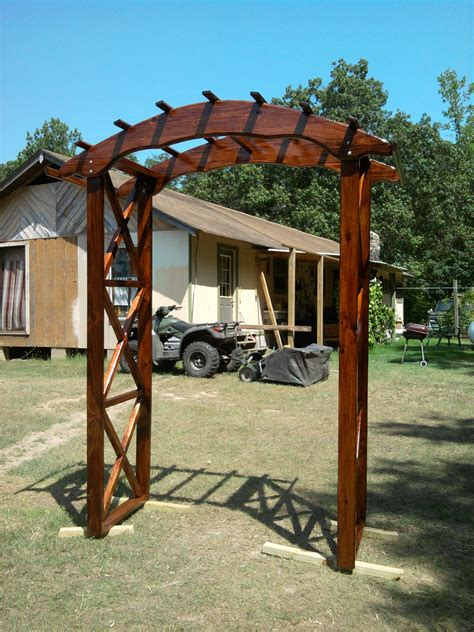 ana white rustic  wedding arch diy projects